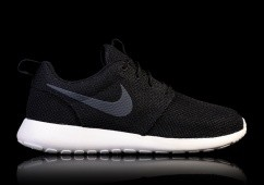 NIKE ROSHE ONE BLACKOUT