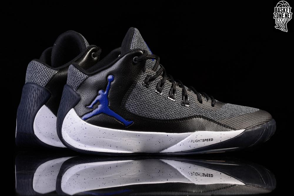 Nike Jordan Max Aura, Chaussures de Basketball Homme, Blanc (White/Dark Concord/Black 120), 48.5 EU