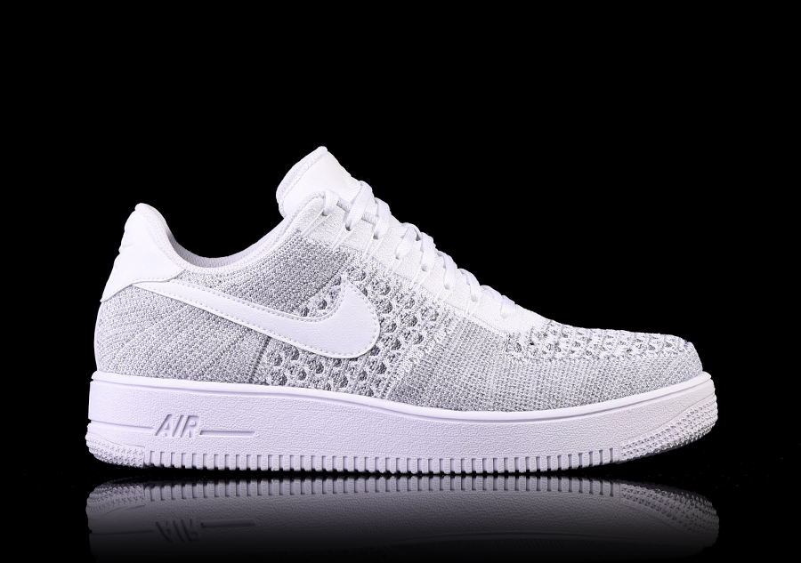 Baskets NIKE AIR FORCE ONE plastique noir 39 efn7WGC
