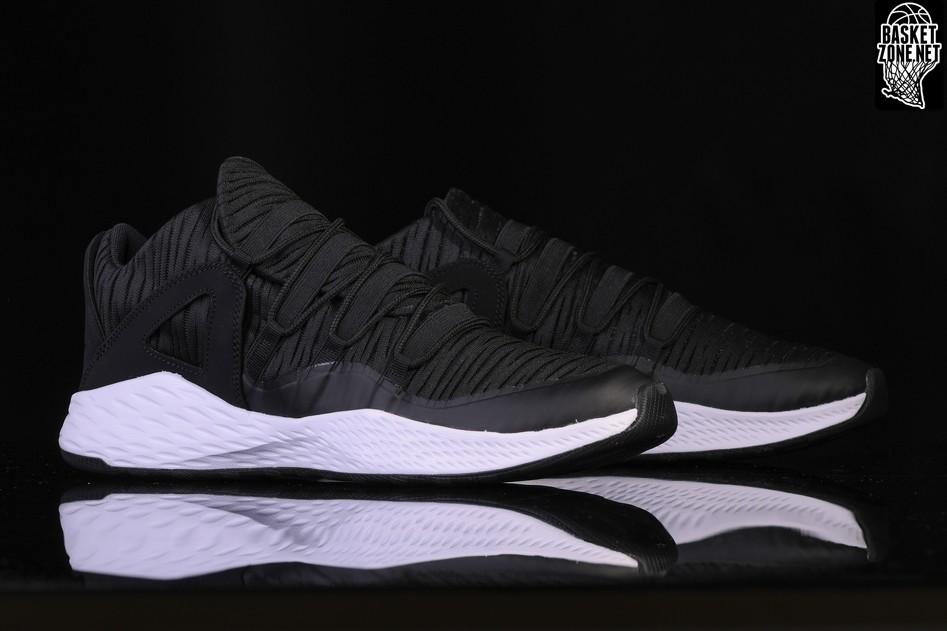 new style d5fbc b34d0 Nike Jordan Formula 23 Low, Chaussures de Gymnastique Homme, Rouge (Gym  Redgym Redpure