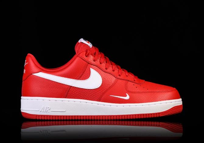 Basket Noires/Rouge NIKE AIR FORCE 1 Black/Red Basket - FR 41 / US 8 / UK 7