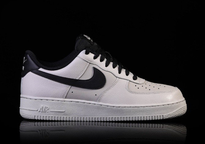 NIKE AIR FORCE 1 '07 PALE GREY