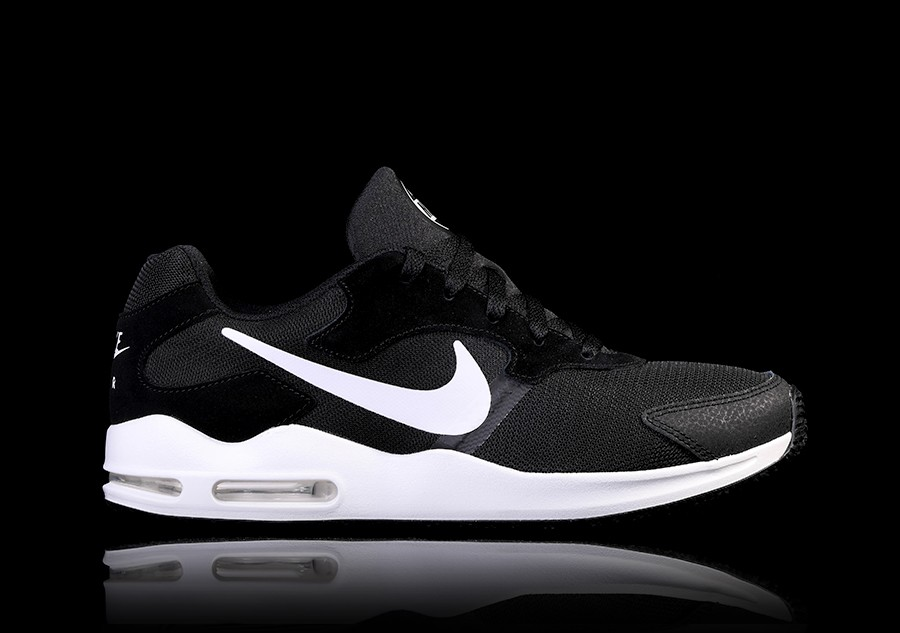 NIKE AIR MAX GUILE BLACK pour €92,50 |