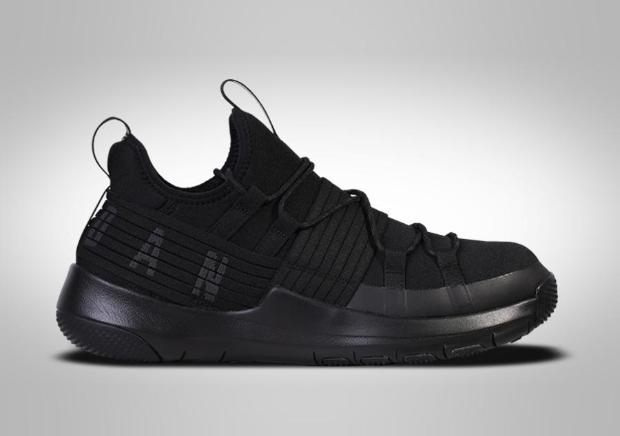 Jordan TRAINER PRO - Chaussures de basket rouge ievkeR