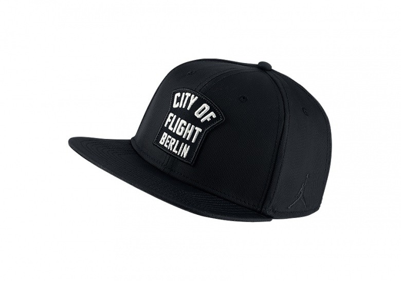 NIKE AIR JORDAN JUMPMAN PRO 'CITY OF FLIGHT' BERLIN ZIP CAP BLACK