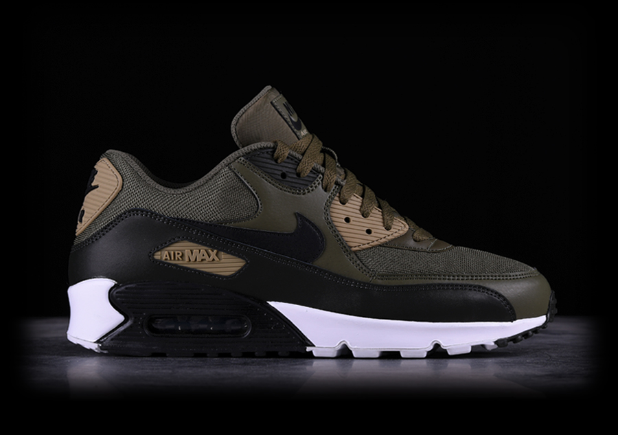 the best attitude 72e3a 74508 NIKE AIR MAX 90 ESSENTIAL MEDIUM OLIVE pour €137,50   Basketzone.net
