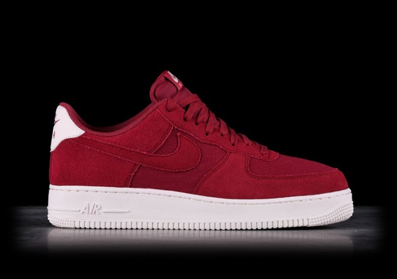 competitive price 5f33d fd824 NIKE AIR FORCE 1 07 SUEDE RED CRUSH