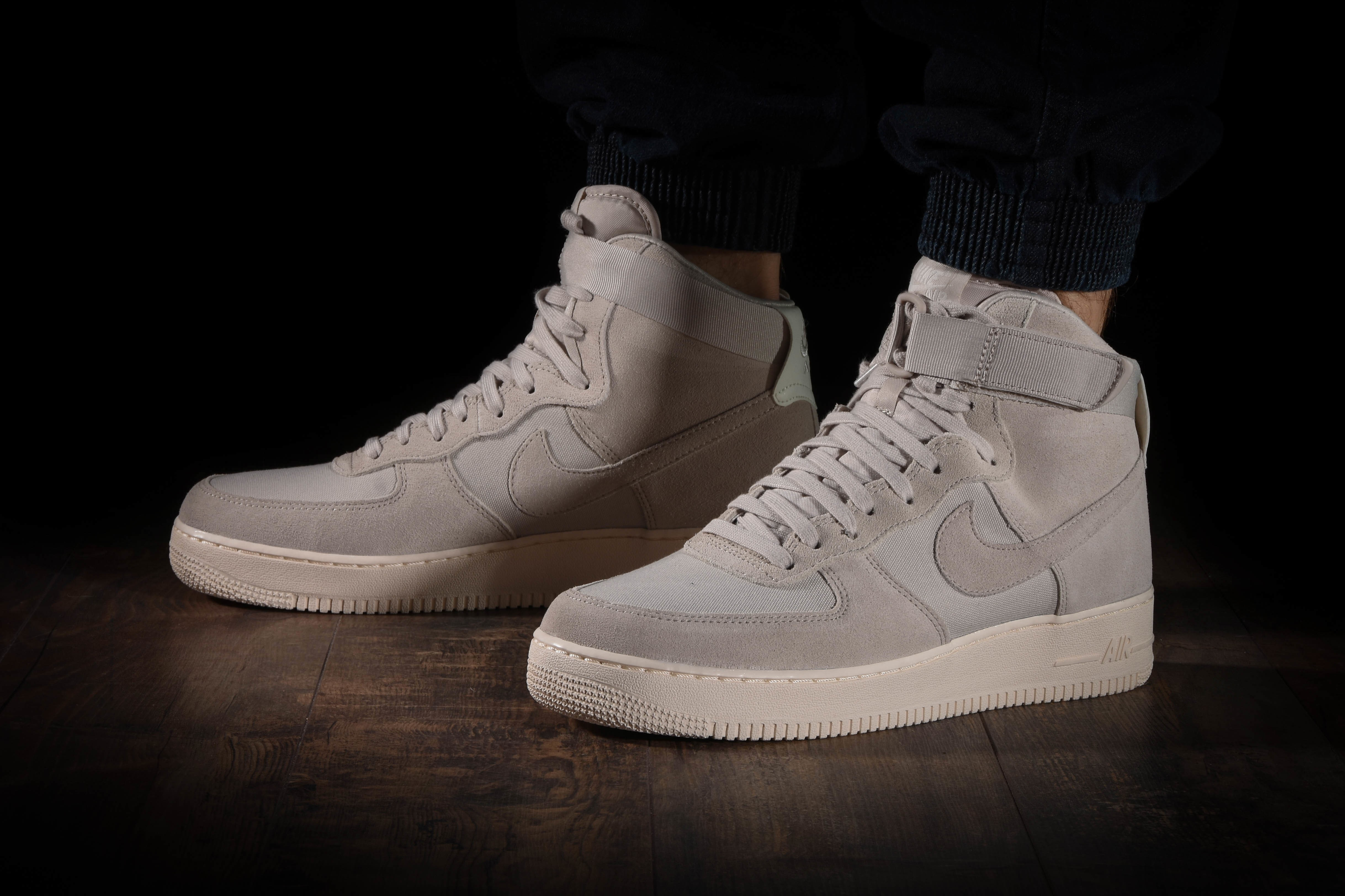 NIKE AIR FORCE 1 HIGH '07 SUEDE for £90.00 |