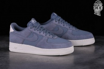 sports shoes 4f363 d98a9 NIKE AIR FORCE 1 '07 SUEDE ASHEN SLATE per €109,00 | Basketzone.net