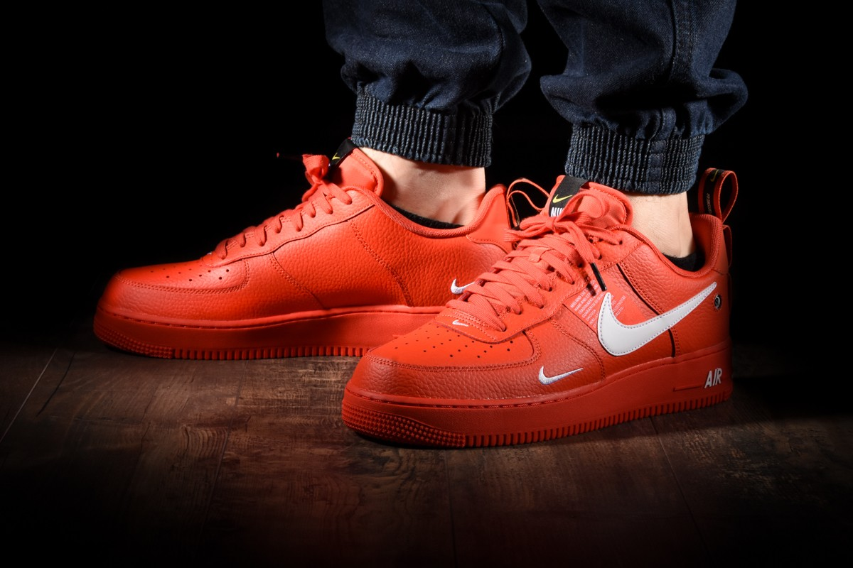 NIKE AIR FORCE 1 '07 LV8 UTILITY for