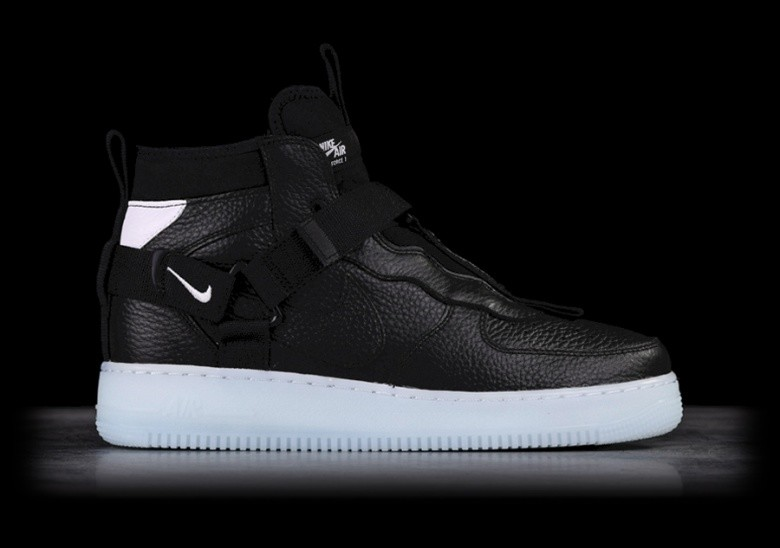 date de sortie: d241a 44a27 NIKE AIR FORCE 1 UTILITY MID BLACK pour €142,50 | Basketzone.net