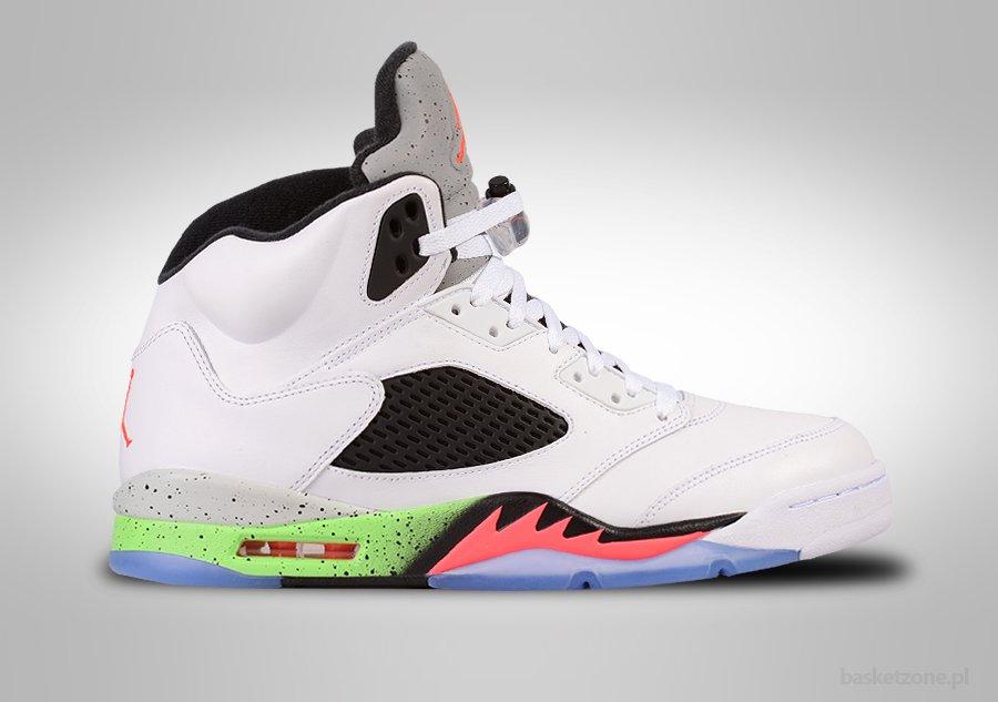 Nike air jordan 5 retro black Achetez l'édition limitée 9H4XX0